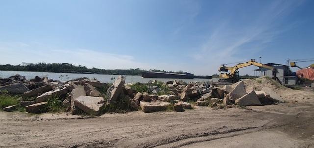 Tháo dỡ các công trình xâm hại sông Đuống sau phản ánh của Dân trí - 2