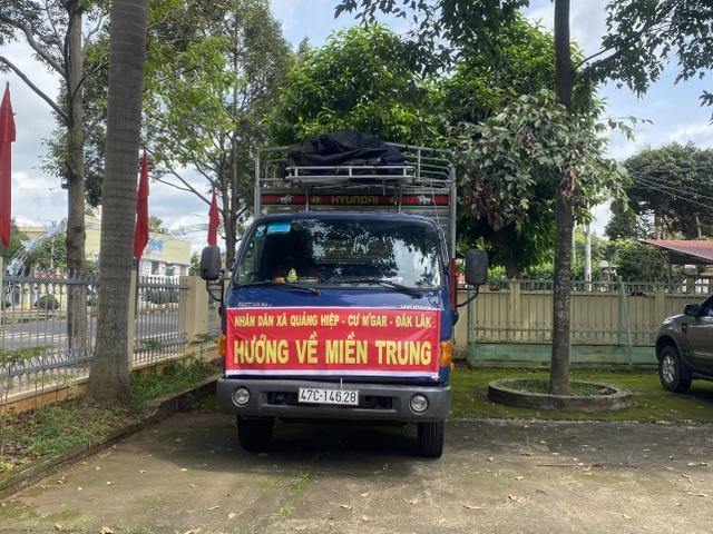 Đắk Lắk: Chung tay hướng về đồng bào miền Trung gặp lũ lụt - 2