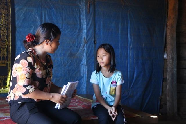 Bạn đọc Dân trí giúp đỡ cô học trò mồ côi ở Đắk Nông hơn 100 triệu đồng - 3