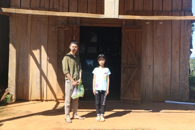Bạn đọc Dân trí giúp đỡ cô học trò mồ côi ở Đắk Nông hơn 100 triệu đồng - 2