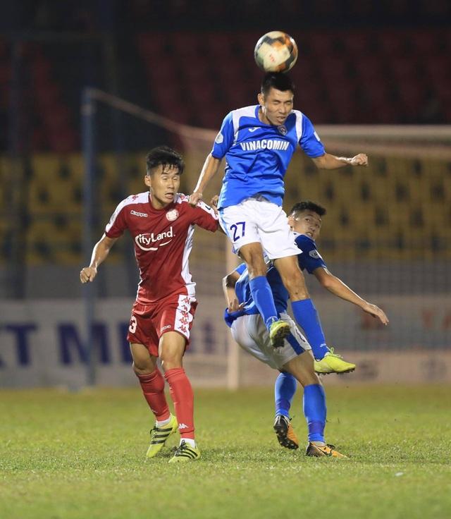 Thắng TPHCM, Than Quảng Ninh tiếp tục đua vô địch - 2