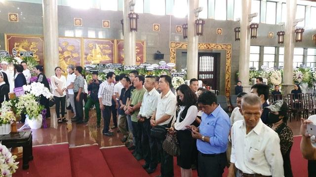 Gia đình, đồng nghiệp tiễn biệt NSND Lý Huỳnh - 4