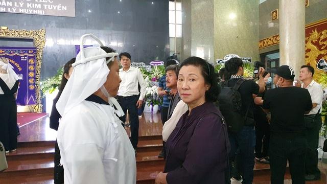 Gia đình, đồng nghiệp tiễn biệt NSND Lý Huỳnh - 13