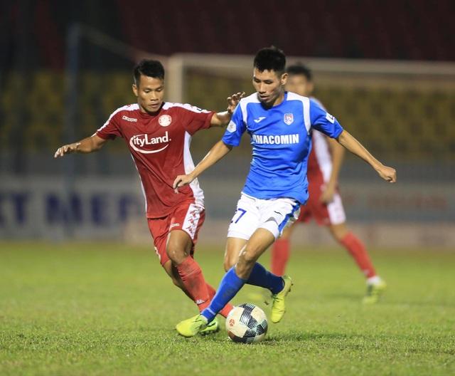 Thắng TPHCM, Than Quảng Ninh tiếp tục đua vô địch - 1