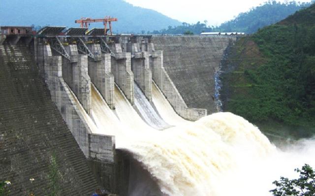 Bộ Công Thương báo cáo nhanh tình hình thủy điện trước cơn bão số 8 - 1
