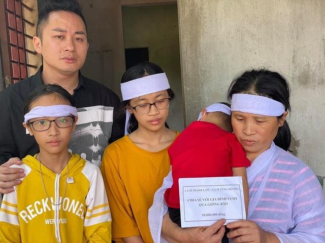 Thanh Lam, Tùng Dương xúc động khi đến thăm người dân vùng lũ lụt Hà Tĩnh - 7