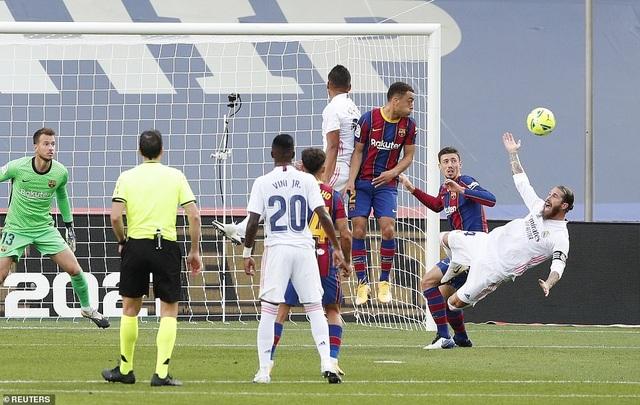 Những khoảnh khắc Real Madrid hạ gục Barcelona tại Nou Camp - 6