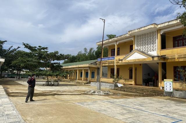 Quảng Ngãi: Hơn 400 học sinh nghỉ học phòng tránh bạch hầu - 1