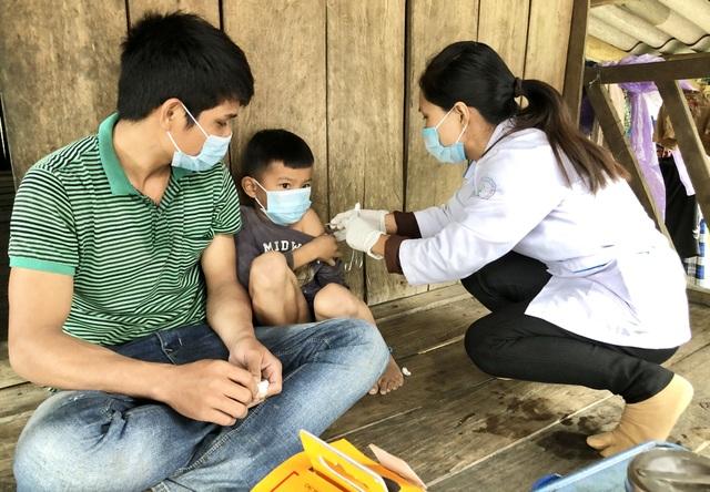 Quảng Ngãi: Hơn 400 học sinh nghỉ học phòng tránh bạch hầu - 2