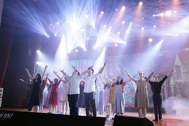 Mãn nhãn đêm nhạc kịch tiếng Anh đầy cảm xúc của học sinh Hà Nội - 11