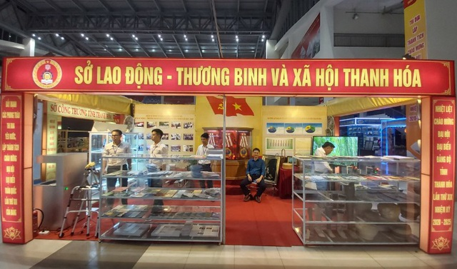 Khai mạc Hội chợ - Triển lãm thành tựu kinh tế - xã hội tỉnh Thanh Hóa giai đoạn 2015-2020 - 4