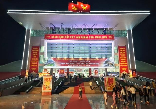 Khai mạc Hội chợ - Triển lãm thành tựu kinh tế - xã hội tỉnh Thanh Hóa giai đoạn 2015-2020 - 1