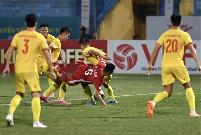 Trọng Đại tỏa sáng, CLB Viettel tiếp tục dẫn đầu bảng V-League - 4