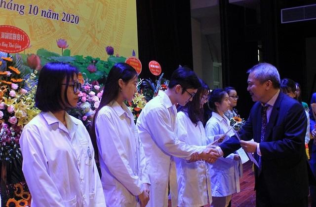 Khoa Y Dược Đại học Quốc gia Hà Nội khai giảng năm học mới - 2