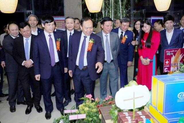 Khai mạc Hội chợ - Triển lãm thành tựu kinh tế - xã hội tỉnh Thanh Hóa giai đoạn 2015-2020 - 2