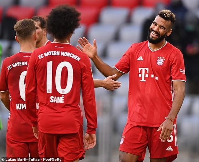 Lewandowski lập hat-trick, Bayern Munich thắng đậm Frankfurt - 4