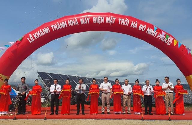 Ninh Thuận khánh thành nhà máy điện mặt trời ngàn tỷ - 1