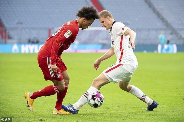 Lewandowski lập hat-trick, Bayern Munich thắng đậm Frankfurt - 3