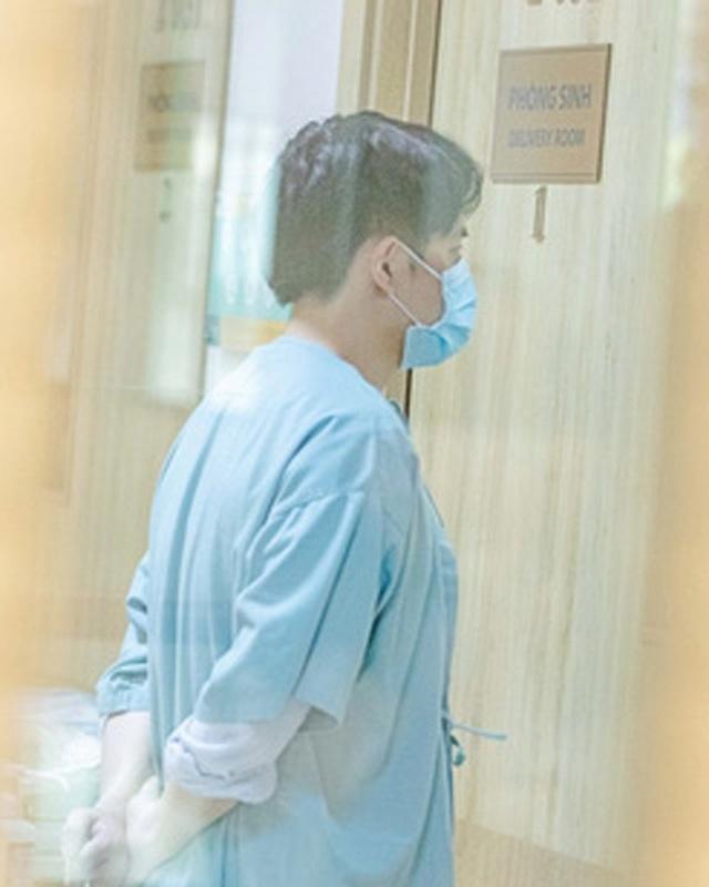 Đông Nhi hạ sinh con gái đầu lòng sau 16 tiếng nhập viện - 2