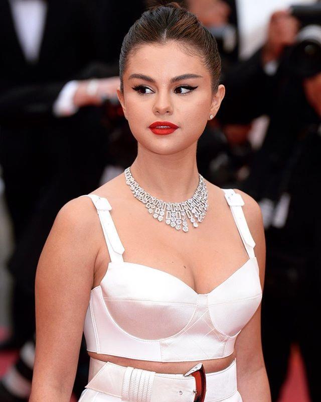 Selena Gomez tiết lộ hình mẫu bạn trai mong muốn  - 7