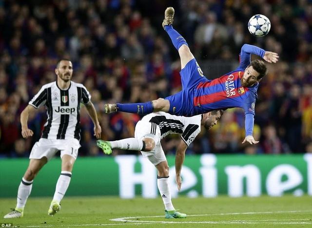 Juventus - Barcelona: Quyết đấu vì ngôi đầu bảng - 1