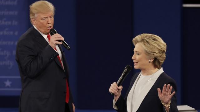 Bà Clinton nói nhiều thành viên đảng Cộng hòa muốn ông Trump thua - 1