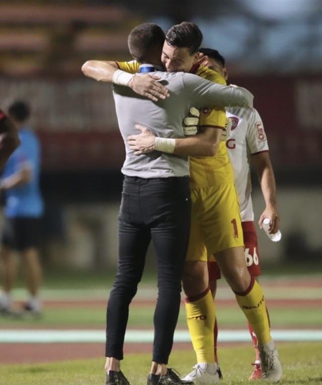 Văn Lâm tự tin sau khi cùng Muangthong chiến thắng ở Thai-League - 2