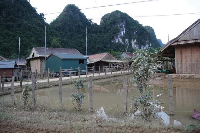 Người dân rốn lũ Tân Hoá khao khát nhà phao cứu mạng khi lũ về - 7