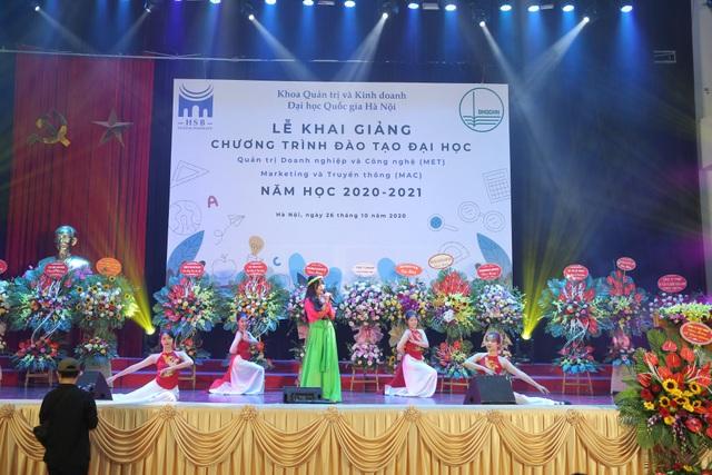 ĐH Quốc gia Hà Nội khai giảng 2 chương trình cử nhân đặc biệt - 1