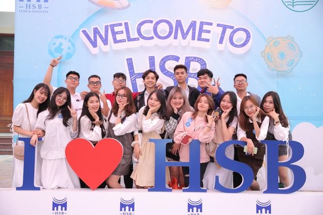 ĐH Quốc gia Hà Nội khai giảng 2 chương trình cử nhân đặc biệt - 2