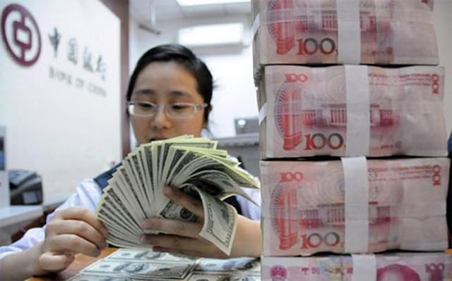 """Lí do gì khiến Trung Quốc bất ngờ """"xả hàng"""" nợ Mỹ? - 1"""