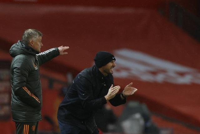 """Man Utd hòa Chelsea: Những chiếc ghế """"nóng bỏng tay""""! - 3"""