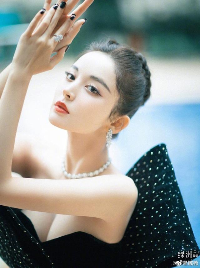 """Đường Yên """"đụng độ"""" cô bạn thân cũ Dương Mịch tại sự kiện - 14"""
