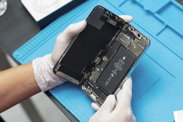Có gì bên trong iPhone 12 Pro vừa về Việt Nam? - 1