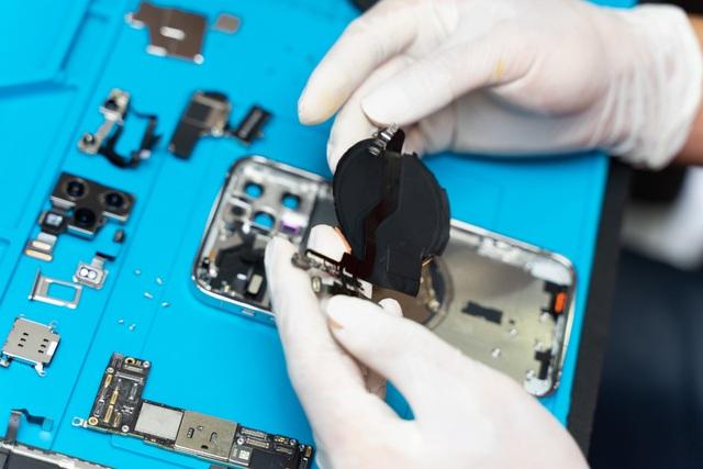 Có gì bên trong iPhone 12 Pro vừa về Việt Nam? - 9