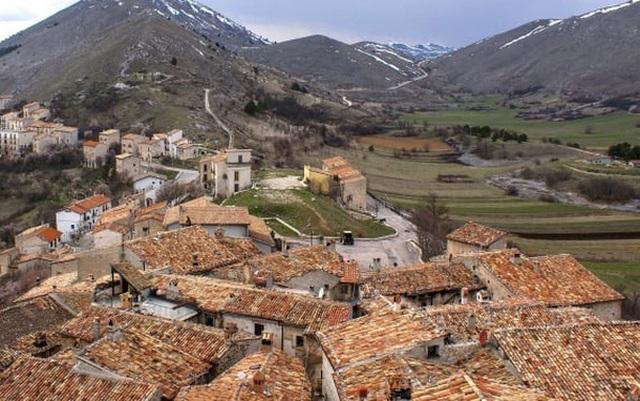 Ngôi làng ở Italy trả tiền cho người đến đây khởi nghiệp - 1