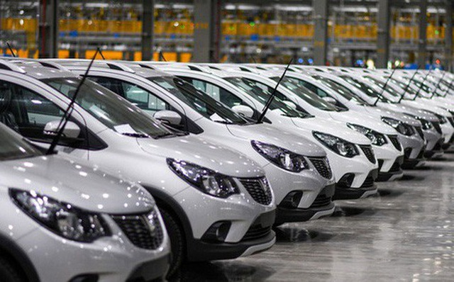 Sắp hết ưu đãi lo ô tô tăng giá, cuối năm rủ nhau mua xế hộp - 1