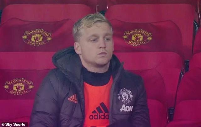 Huyền thoại Van Basten khẳng định Van de Beek sẽ hối hận vì chọn Man Utd - 1