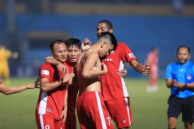 Cuộc đua tứ mã đến ngôi vô địch V-League - 3