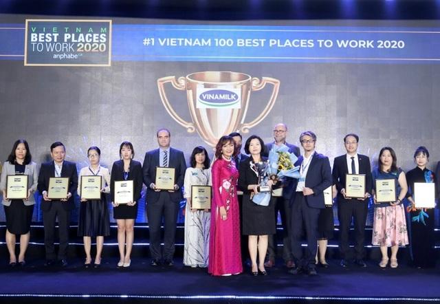 """Vinamilk 3 lần liên tiếp được bình chọn """"nơi làm việc tốt nhất Việt Nam"""" - 1"""