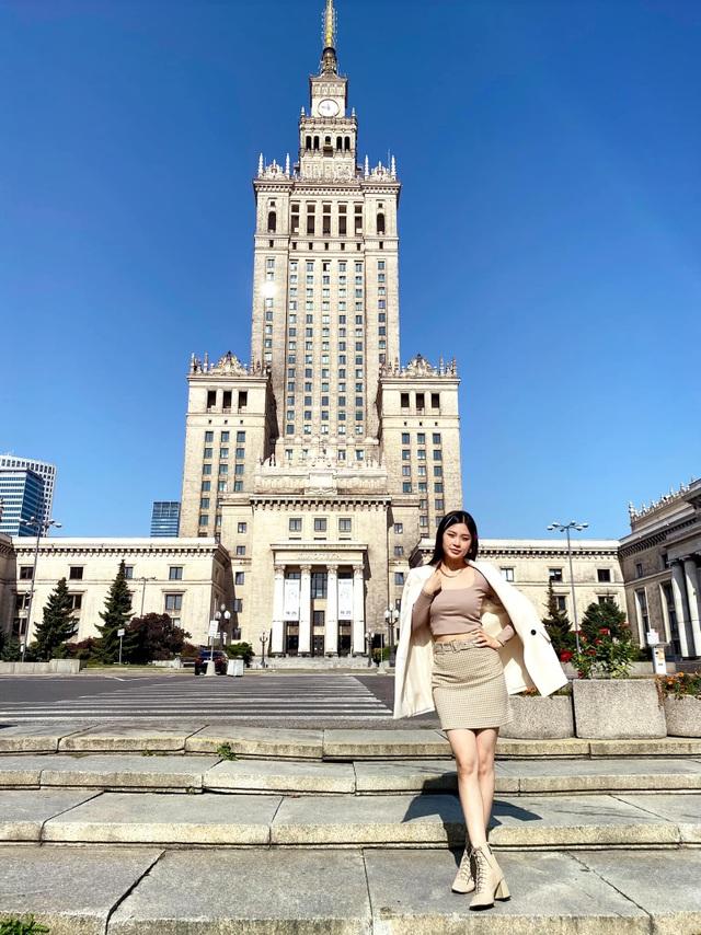 Mắc kẹt 8 tháng ở Ba Lan vì dịch tiếp tục căng, Diễm Trang ngóng ngày về - 15