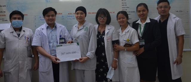 Bạn đọc giúp đỡ nữ điều dưỡng mắc ung thư gần 300 triệu đồng - 1