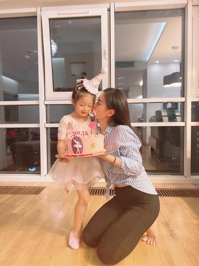Mắc kẹt 8 tháng ở Ba Lan vì dịch tiếp tục căng, Diễm Trang ngóng ngày về - 8