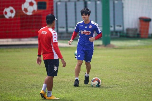 Công Phượng còn cơ hội đua danh hiệu Vua phá lưới V-League - 1
