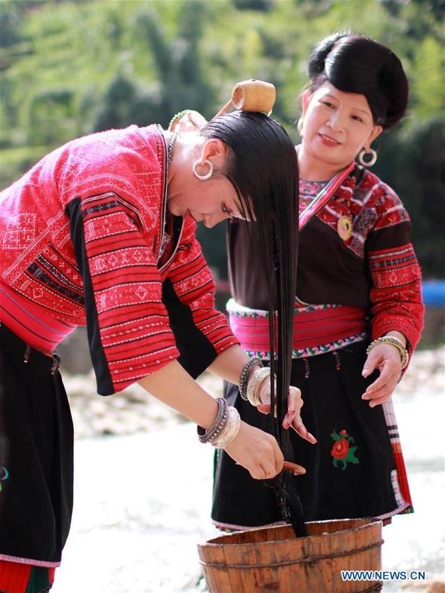 Đến nơi phụ nữ có suối tóc dài hàng mét, chỉ cắt 1 lần duy nhất trong đời - 2