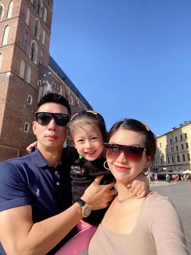 Mắc kẹt 8 tháng ở Ba Lan vì dịch tiếp tục căng, Diễm Trang ngóng ngày về - 4