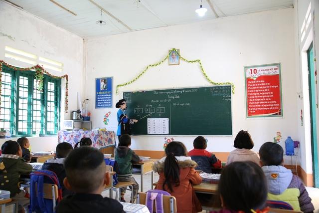 Cô giáo 9x ngày ngày gánh nước chăm học trò vùng cao thiếu thốn - 1