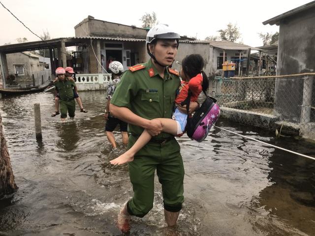 Thừa Thiên Huế cảnh báo người dân không ra khỏi nhà trong suốt 21 tiếng - 1