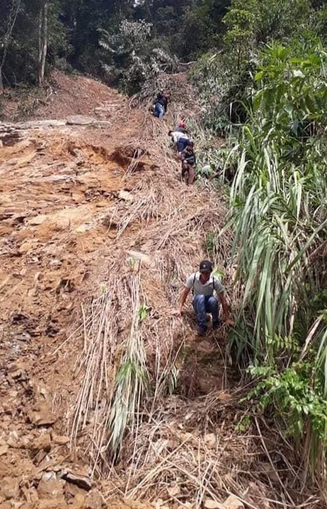 Quảng Trị: Trường ngập bùn nửa mét, học sinh chưa biết bao giờ trở lại lớp - 3