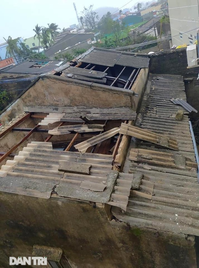 Đảo Lý Sơn tan hoang nhà cửa, tàu thuyền sau khi bão số 9 quét qua - 7
